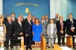 Prefeita Ana Preto, vice-prefeito Nelson do Posto e vereadores de Peruíbe ( Foto: Marcos Costa / Divulgação PMP)