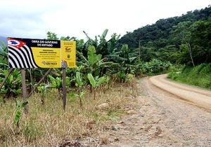 A Estrada Francisco Paniquar Filho é uma das principais vias que liga a mais importante região rural do município de Itanhaém, a Bacia Hidrográfica do Rio Branco
