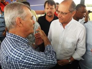 Prefeito Merce de Juquiá, SP, e Governador Geraldo Alckmin durante inauguração do Aeroporto de Registro, SP