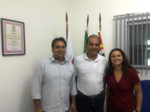 Vereador Luiz Mauricio Pereira, Presidente  da OAB Peruíbe SP, Sérgio Martins Guerreiro e vereadora Mari Laila Tanios Maalouli. (Foto: Divulgação)