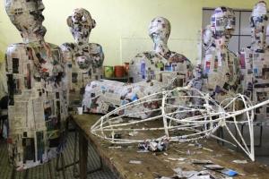 Confecção dos Bonecos no Carnaval de Registro SP