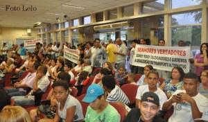 Manifestação na Câmara de Peruíbe