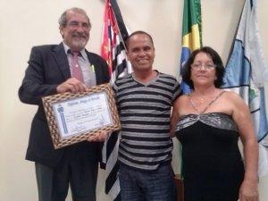 Vereador Ricardo, o homenageado Marquinhos e esposa